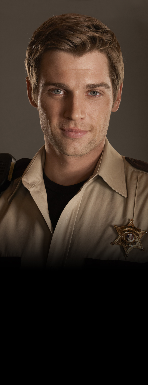 Mike Vogel - Deputy Zack Shelby
