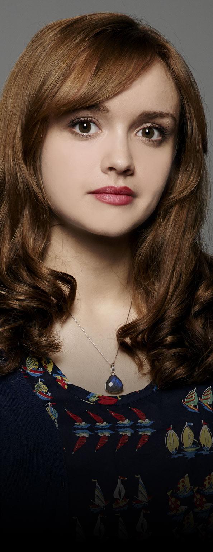 Olivia Cooke - Emma Decody