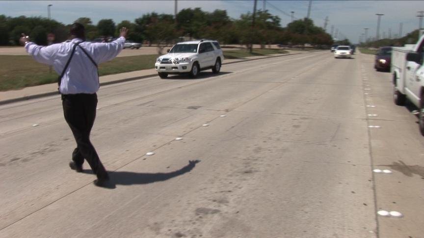 Officer stops traffic