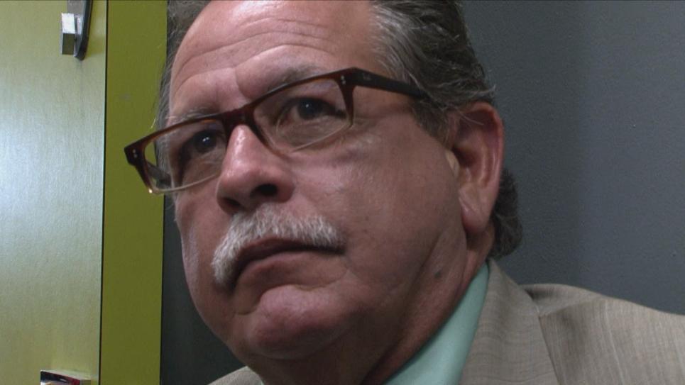 Det. Tamayo watches Douglas interview potential suspect