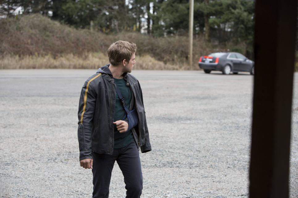 Stranger leaves Dylan worried