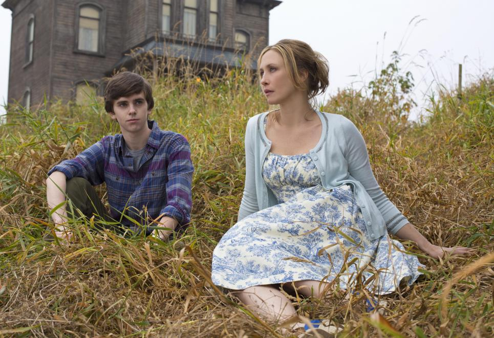 Freddie Highmore plays Norman Bates opposite Vera Farmiga