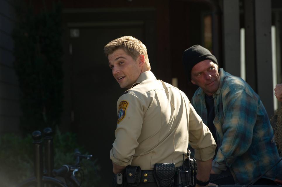 Deputy Shelby is played by Mike Vogel