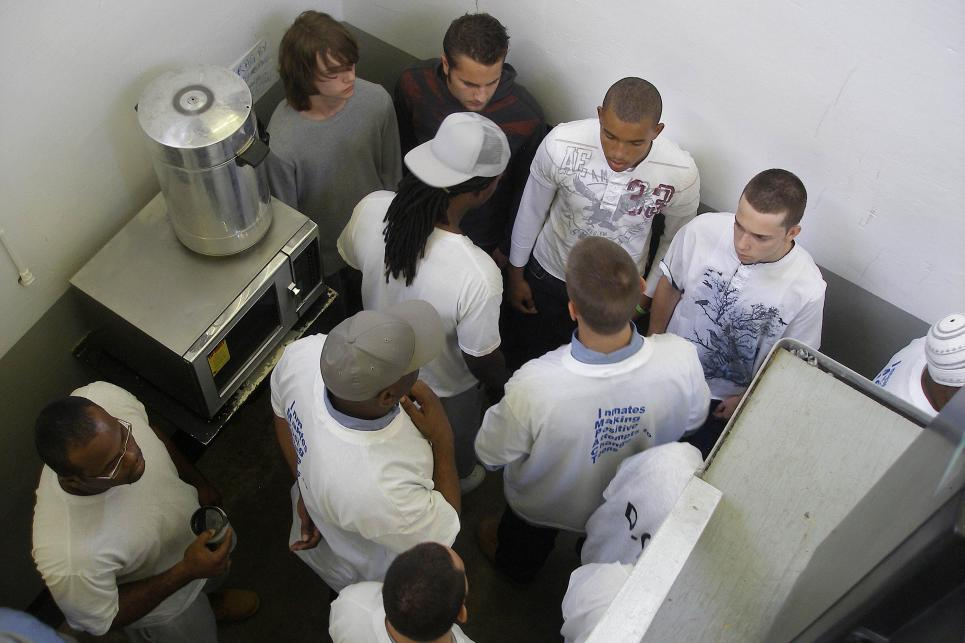 Teens and inmates in cell at Jessup