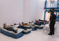 Jacksonville teens try inmate mattresses