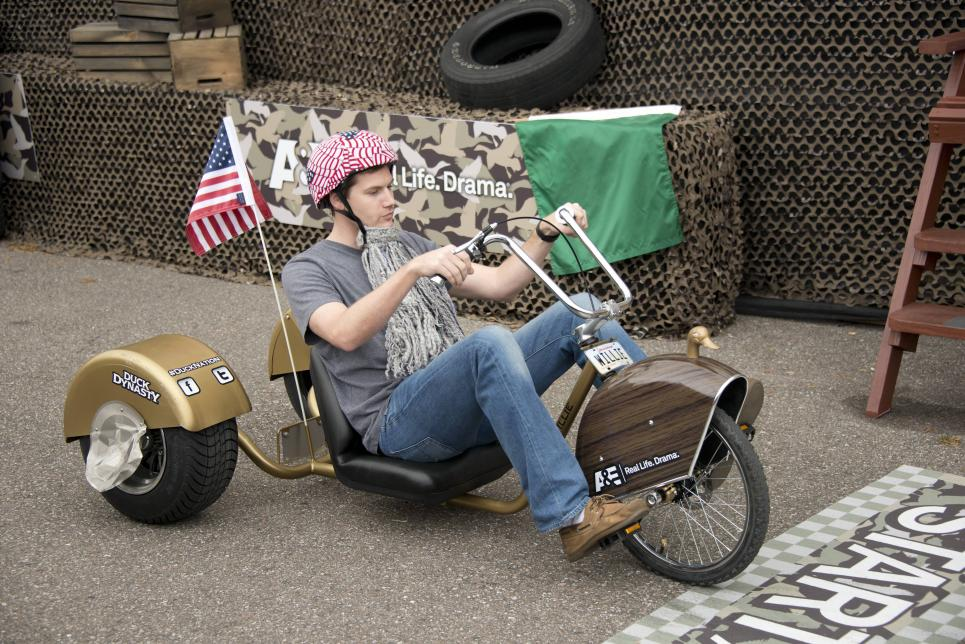 Fan prepares to race Willie's trike