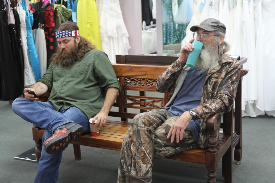 Willie  and Si wait for Sadie