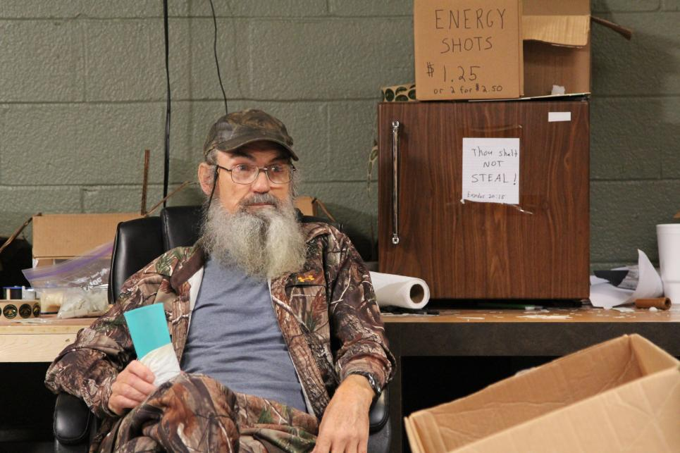 Si hears Willie will guest star on radio show