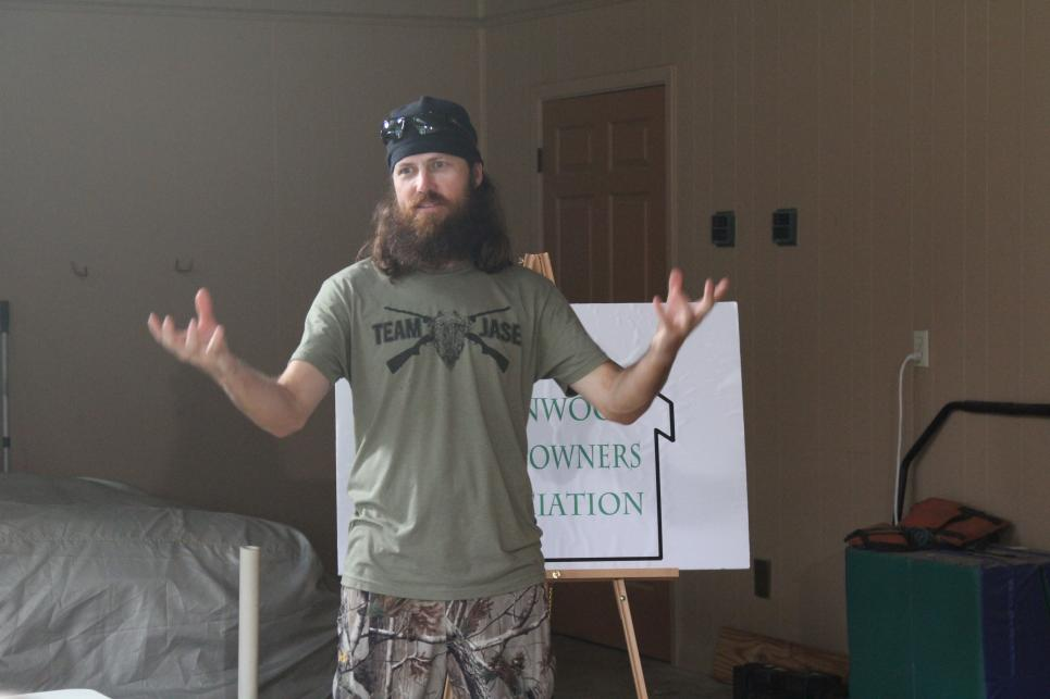 Jase agrees to pay fine to Homeowners Association