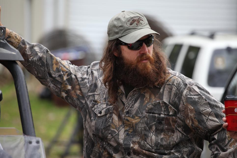 Jase suggests hunting with Sadie's boyfriend