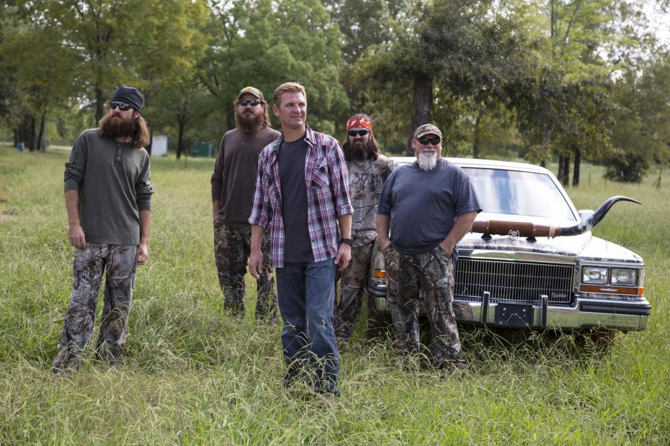 NASCAR's Clint Bowyer meets with Duck Commander crew