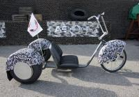Jase displays trike at Duck Dynasty 500