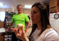 Jennifer wins bid to ship wedding cake