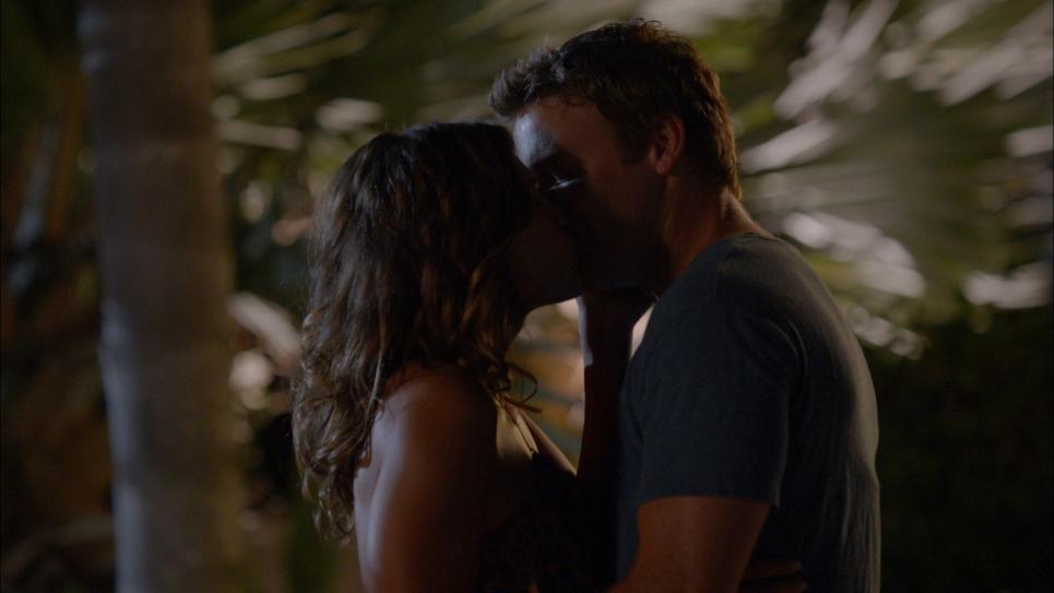 Jim and Callie kiss