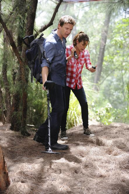 Longworth and Callie search for buried treasure