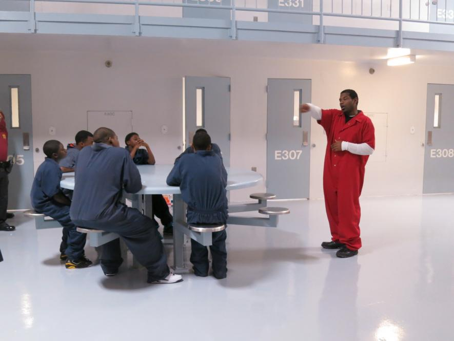 The teens get a lesson in jailhouse hierarchy.