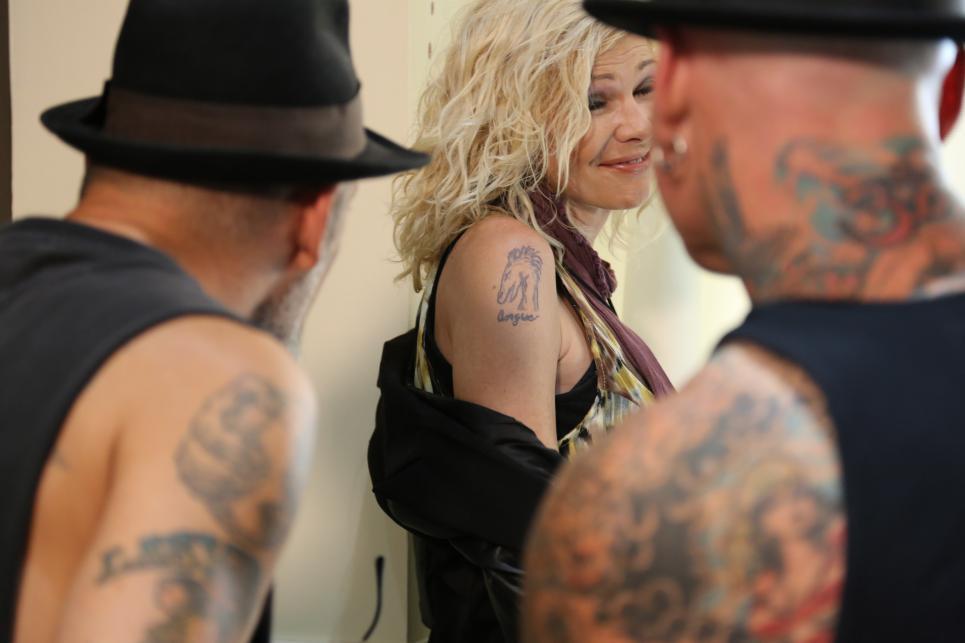 Sharon Reveals Her Tattoo