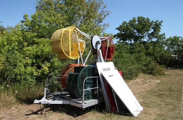 Jennifer need to transport Ferris wheel quickly