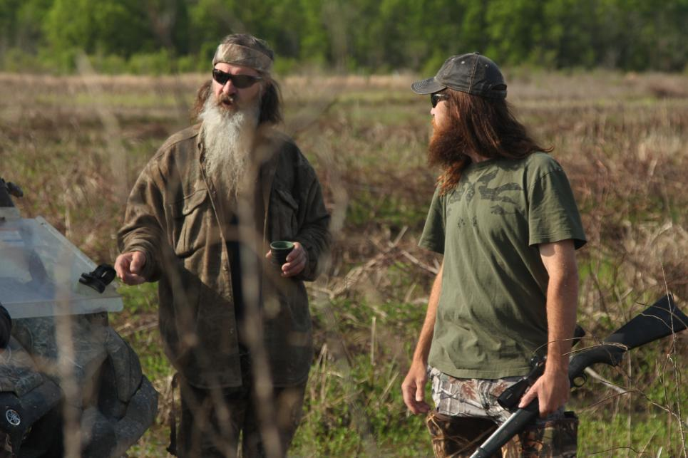 Phil Agrees to Help Clean Out Duck Blinds