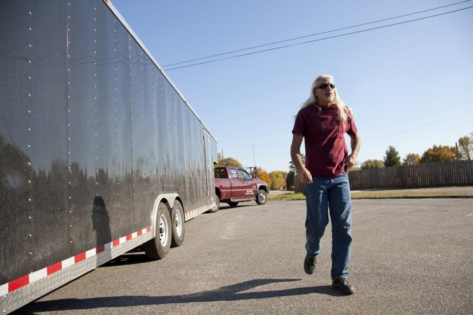 Roy prepares trailer for big load