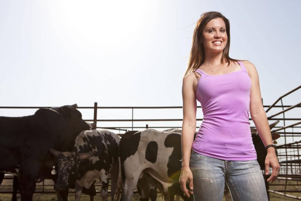 Jennifer specializes in moving livestock