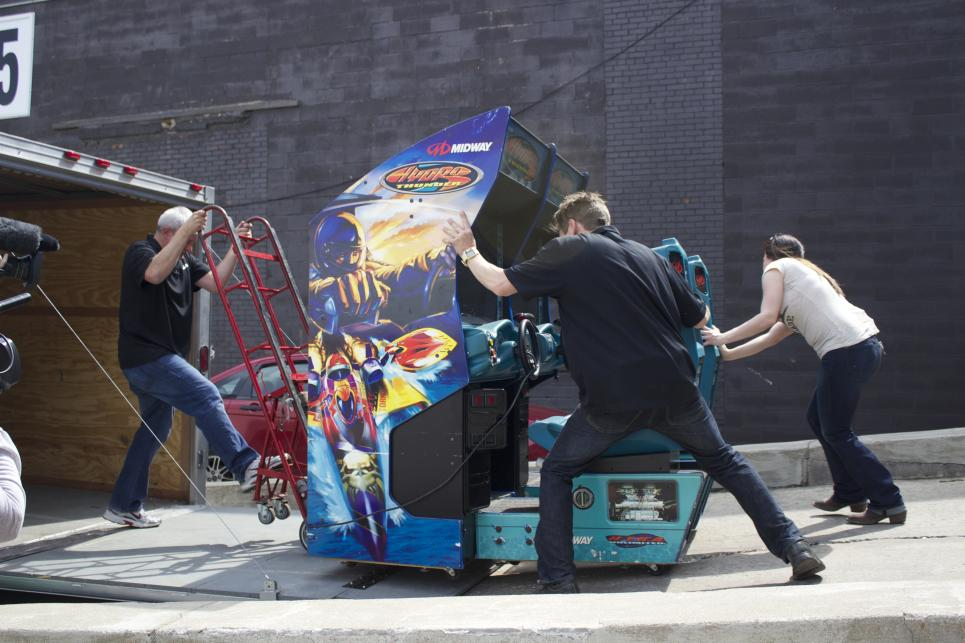 Jennifer Loads Arcade machines