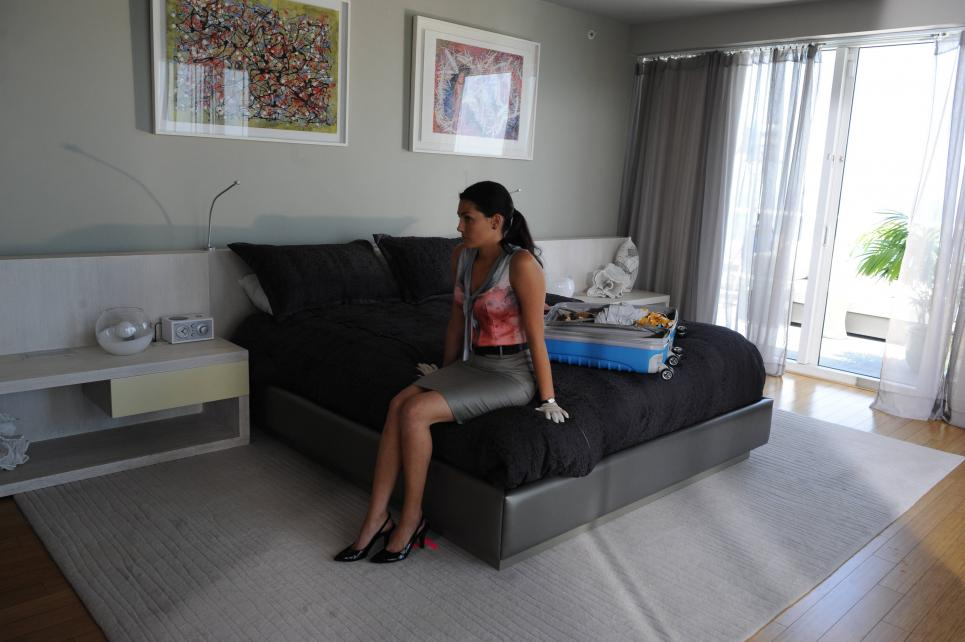 Jennifer jealous of  victim's hotel bed