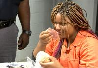 Tyonna reacts to jail food