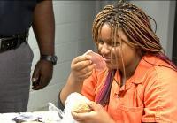 Tyonna reacts to jail food