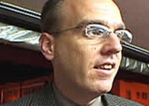 Detective Carlos Castellanos