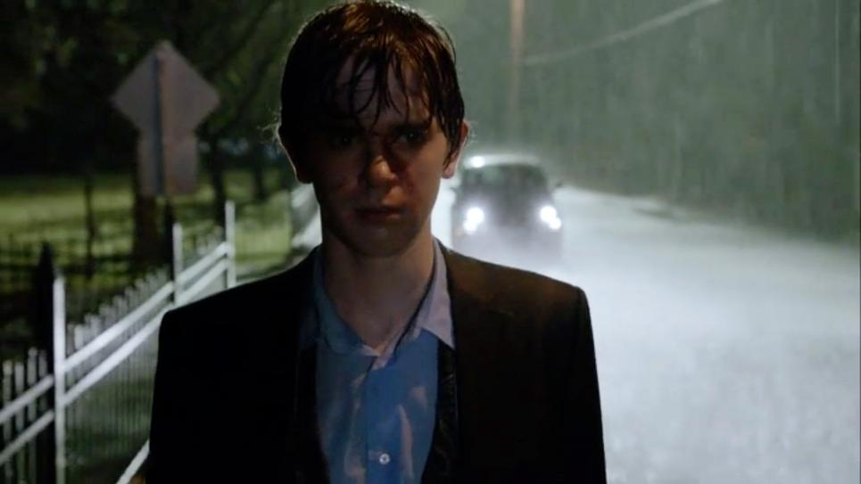 Norman walks to Bates motel