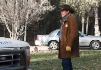 Walt arrives at Hoback's house