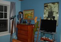 Jeff's bedroom inside Callie's house