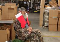Si Robertson agrees to be elf